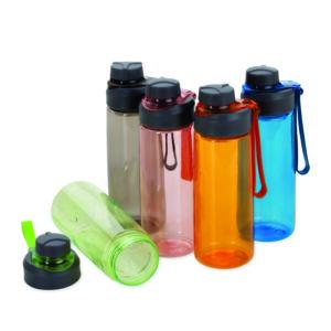 Descrição:Squeeze plástico 700ml com peneira e alça para transporte